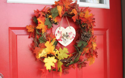 DIY Autumn Wreath with Paw Prints